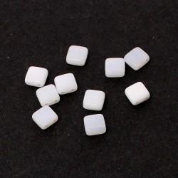 Korálky dvoudírkové 6x6 mm 10ks bílá mléčná